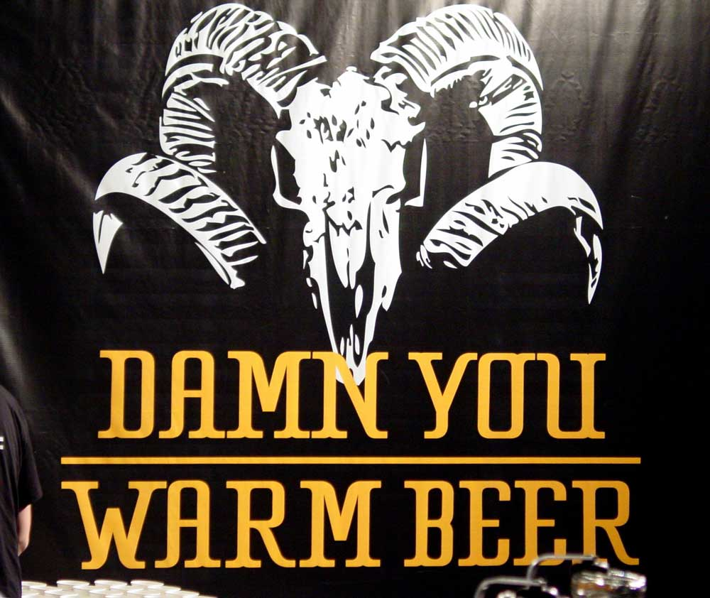 Kaltes Bier auf dem Festival